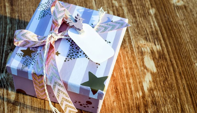 Gift Ideas and the Art of Giving – Gifts from the Heart