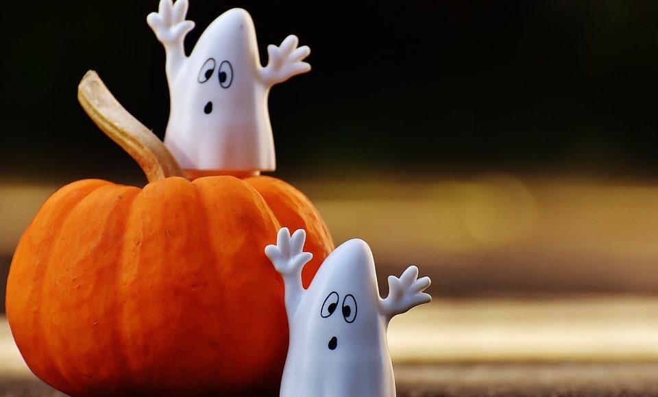 Halloween Safety Tips for Preschoolers & Elementary Kids