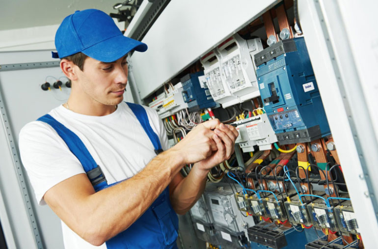 Family FAQs: When to Hire an Electrician
